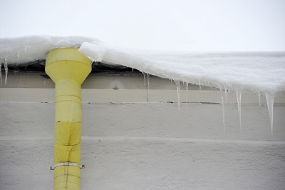 Commercial roof snow removal service in Wisconsin
